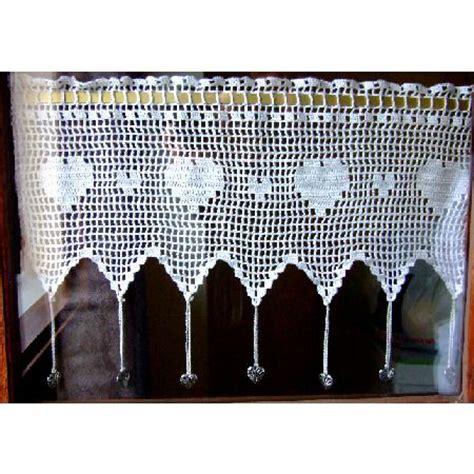petit rideau cantonni 232 re au crochet et ses breloques quot coeur quot textiles et tapis par crochet