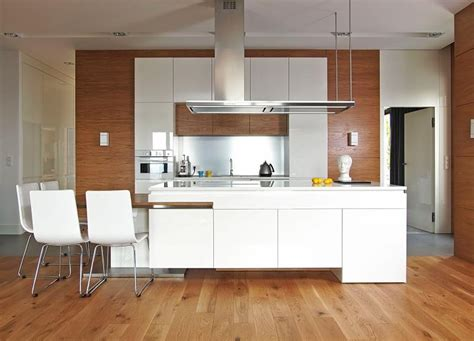 cuisine plancher bois cuisine bois et blanc dans un appartement en 25 idées