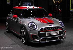 Mini Cooper S Jcw : mini john cooper works concept shows up at detroit live photos autoevolution ~ Medecine-chirurgie-esthetiques.com Avis de Voitures