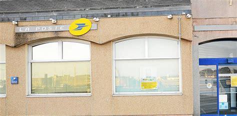 bureaux de poste ouverts le samedi bureau de poste ouvert le samedi un guichetier la poste