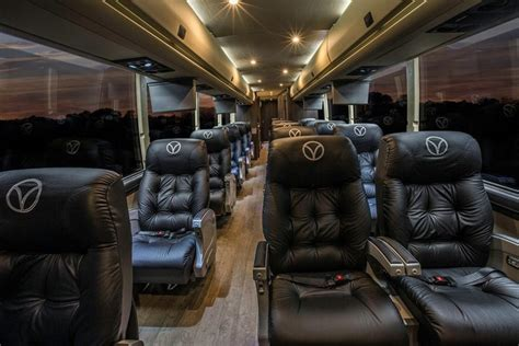 Luxury Bus Service Between Houston And Dallas Aims At Biz
