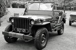 Old Us Army Jeep Free Stock Photo