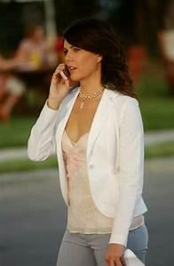 Lauren Graham as Lorelai Gilmore. Always stylish! | Fashion | Pinterest | Lauren graham and Outfits