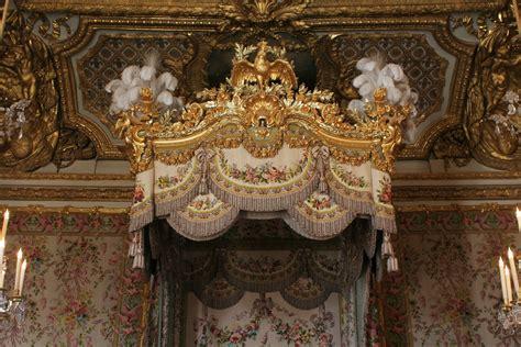 chambre versailles file château de versailles chambre de la reine lit 03