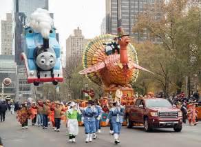 thanksgiving day parade     stream