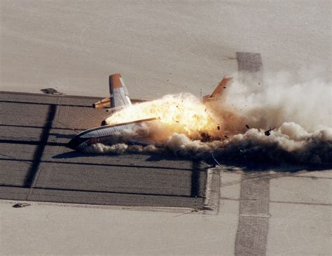 History Hour: How NASA intentionally crashed a Boeing 720