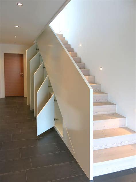 Abstellraum Unter Treppe by Einbauschrank Unter Der Treppe Mit Viel Stauraum Der