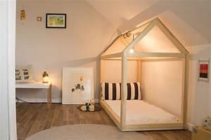 Kinderzimmer Streichen Dachschräge : kuschelecken kinderzimmerei ~ Markanthonyermac.com Haus und Dekorationen