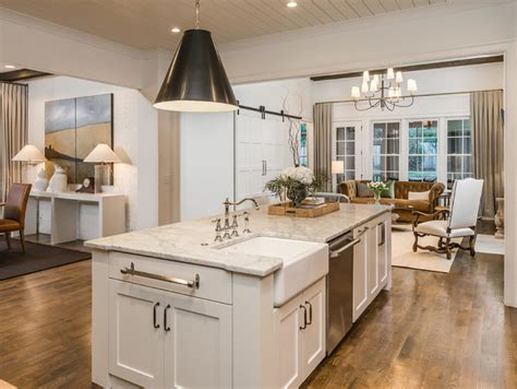 kitchen island with farmhouse sink interior design ideas home bunch interior design ideas 8248