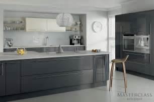 grey kitchens ideas grey kitchens 5 exles of kitchens in subtle shades of grey