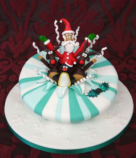 25 easy christmas cake decorating ideas