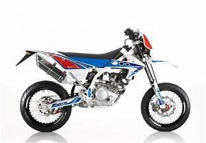 Supermotard 125 2t : fantic motor motard 125 competizione 2t foto della moto dueruote ~ Medecine-chirurgie-esthetiques.com Avis de Voitures