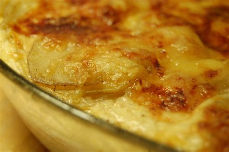 cuisine gratin dauphinois gratin dauphinois dans la cuisine de la chouette
