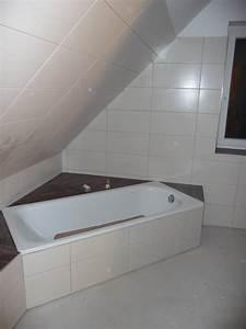 Badezimmer Grau Weiß : kleine badezimmer in grau wei und rot mit schr ge raum und m beldesign inspiration ~ Markanthonyermac.com Haus und Dekorationen