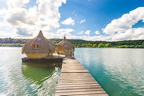 chambre insolite avec cabanes des grands lacs nuit insolite dans une cabane
