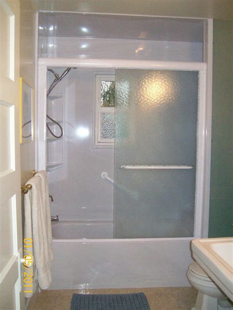 How To Make A Small Bathroom Appear Larger by 5 Ways To Make Your Small Bathroom Appear Larger