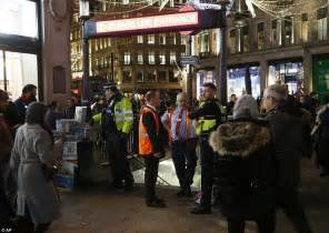 oxford circus fight themselves in to