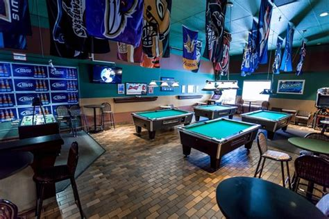 Bar Calgary by Hotel Blackfoot Updated 2018 Prices Reviews Photos