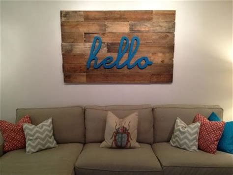 Decorate Your Home With Pallet Wall Art