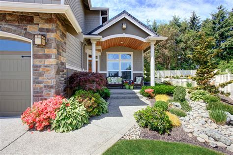 Curb Appeal : Landscaping For Curb Appeal