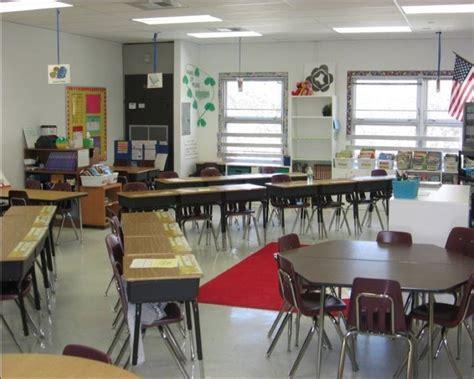 theme template room b 2nd floor best 25 classroom seating arrangements ideas on pinterest
