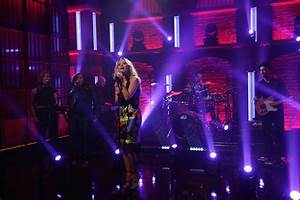 """Rita Ora Performs """"Anywhere"""" On """"Late Night With Seth ..."""