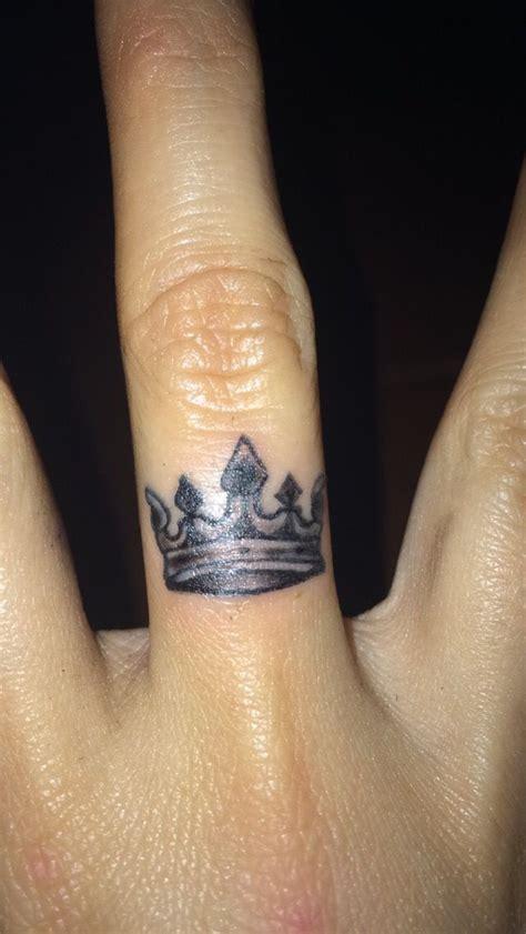 crown finger tattoo ideas  pinterest
