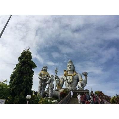 Raja gopura - Picture of Murdeshwar Temple Karnataka