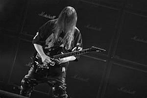 Slayer Guitarist Jeff Hanneman Dead at 49