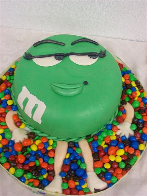fondant birthday cakes ideas  pinterest