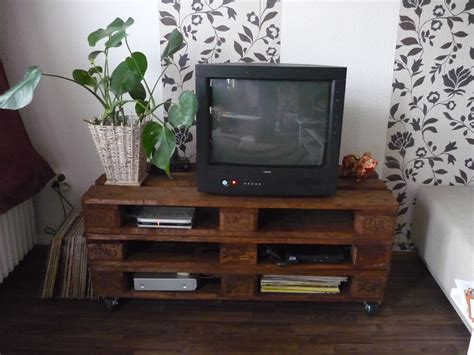 Tv Tisch Aus Europaletten by Fernsehtisch Aus Europaletten Holz Palette Tv