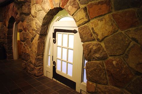doors for small doorways file small door at timberline lodge oregon jpg wikimedia commons