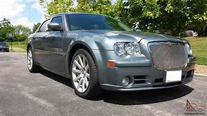 Chrysler 300 Srt8 : chrysler 300 series srt8 ~ Medecine-chirurgie-esthetiques.com Avis de Voitures