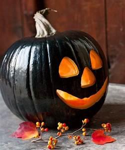 Halloween Kürbis Bemalen : schwarz bemalter k rbis als deko f r halloween feiertage holyday halloween dekoration selber ~ Eleganceandgraceweddings.com Haus und Dekorationen