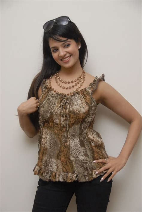 telugu actress saloni  hot photo shoot stills gallery