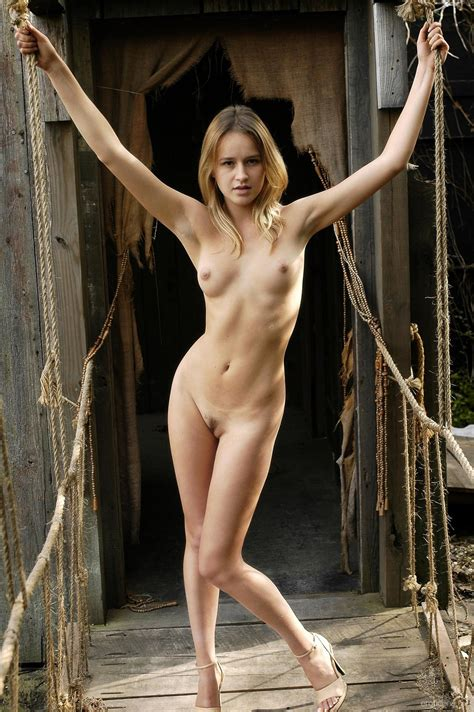 Presenting Julie F By Erotic Beauty 12 Photos Erotic