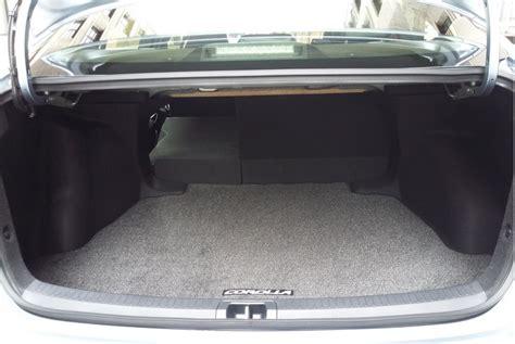 toyota corolla sedan  daily drive consumer guide