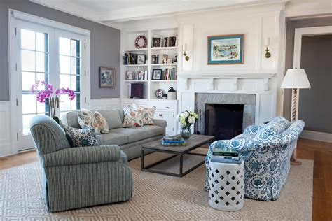 New England Living Room Facemasre