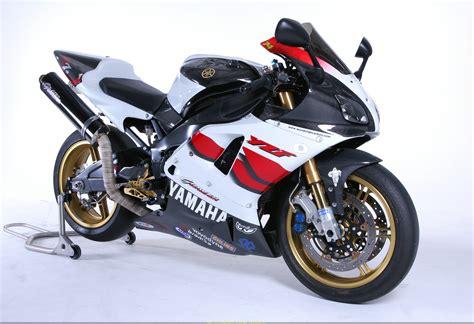 Yamaha R7 by 2001 Yamaha Yzf R7 Moto Zombdrive