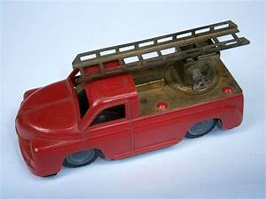 Vintage Red Old Tin  U0026 Plastic Friction Mechanism Toy Car