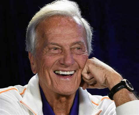 Pat Boone Rips 'snl' On Glenn Beck, Mike Huckabee Chimes In