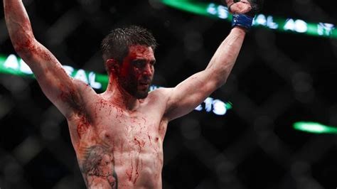 foe carlos condit supports tyron woodleys chase
