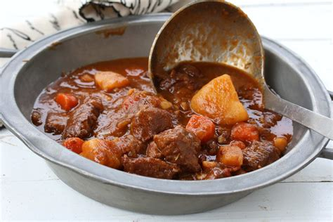 irlande cuisine traditional beef guinness stew stovetop or