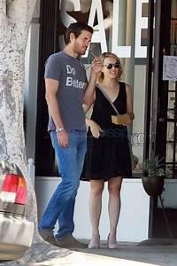 Rachel McAdams And Jamie Linden Shop For Bedding In LA