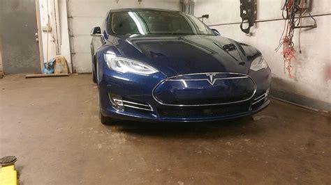 Stock 2016 Tesla Model S P90dl V2 1/4 Mile Drag Racing