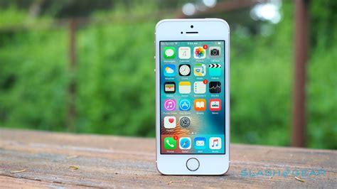 apple iphone se review a iphone se review classic remix slashgear
