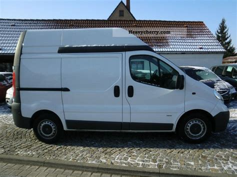 opel vivaro zubehör opel vivaro l1h2 2 0tdci climate zv r parking aid 2007 box type delivery high photo and