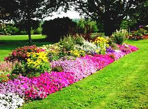 Flower bed design ideas home decorating ideas and tips for Front yard flower garden ideas