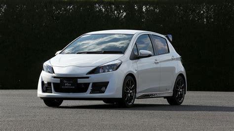 toyota vitz rs  sports debuts  tokyo auto salon