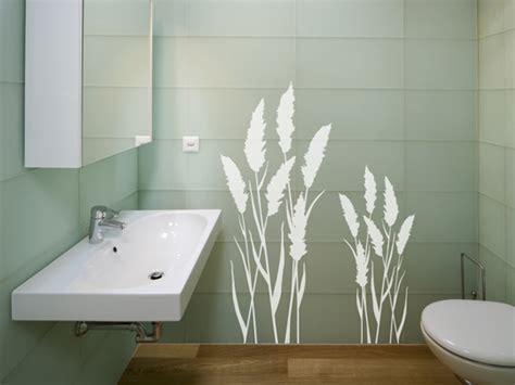 bad fliesen bekleben wandtattoos im badezimmer was beachten ideen tipp
